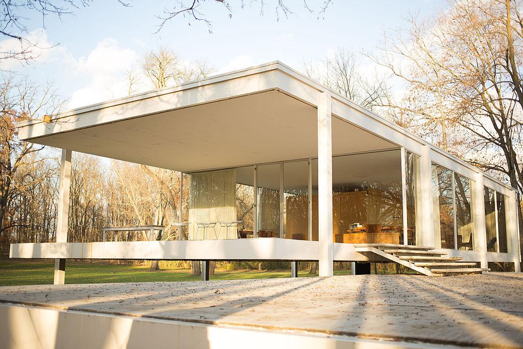 Arquitectura minimalista casa farnsworth de van der rohe for Casa minimalista de mies van der rohe