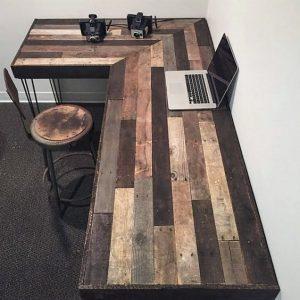 escritorio con palets de madera